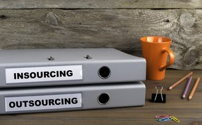 Insourcing & Outsourcing
